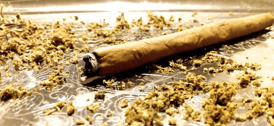 blunt wraps rolling joints